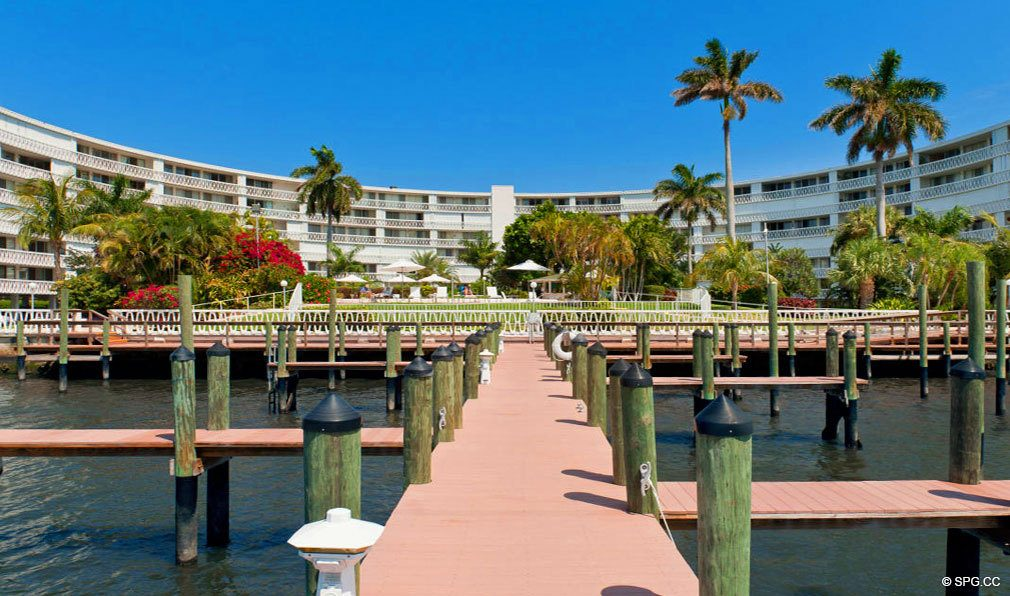 Private Boat Dock for President of Palm Beach, Luxury Waterfront Condos in Palm Beach, Florida