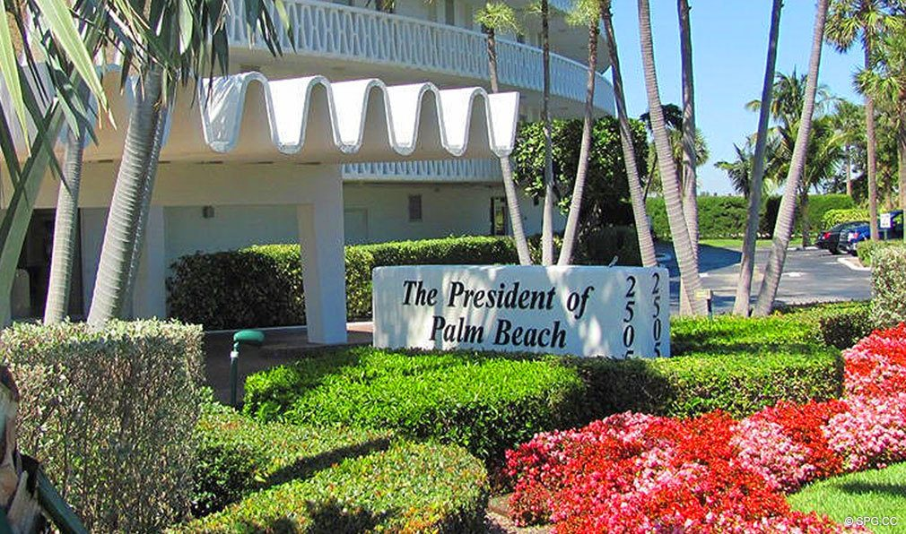 Entrance into The President of Palm Beach, Luxury Waterfront Condos in Palm Beach, Florida