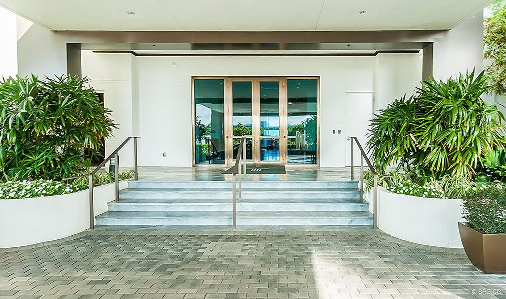 Trump Hollywood Entrance, Luxury Oceanfront Condominiums Located at 2711 S Ocean Dr, Hollywood Beach, FL 33019